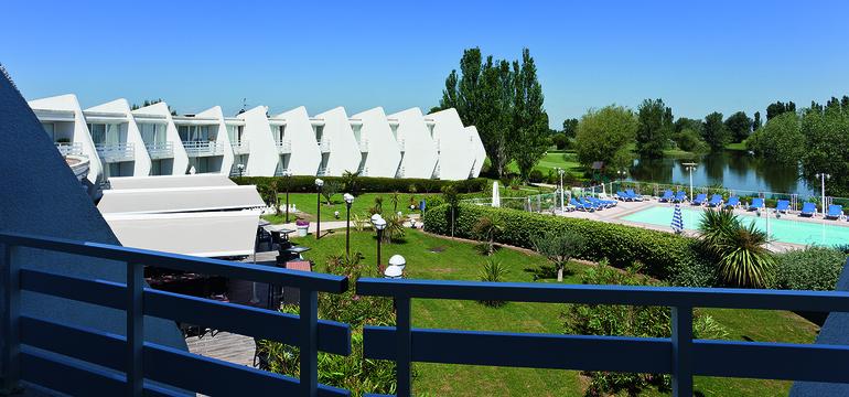 Photo de la piscine du Novotel
