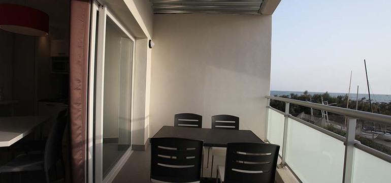 Balcon d'un appartement de la résidence Côté Mer.
